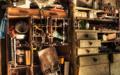 THE ULTIMATE GUIDE TO SELLING A HOARDER HOUSE
